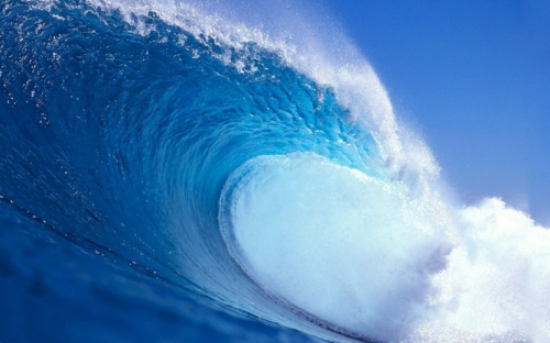 600105__the-big-blue-wave_p-800x500.jpg