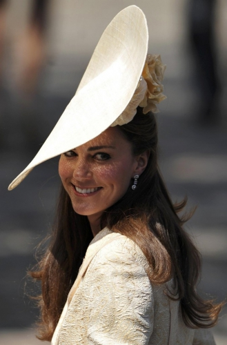 Kate-Middleton-au-mariage-de-Zara-Philips_portrait_w674.jpg